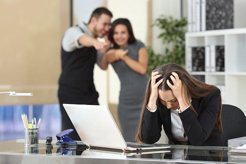 Вработените доцна сфаќаат дека се жртви на мобинг: Ова се знаците и начините да се надминe