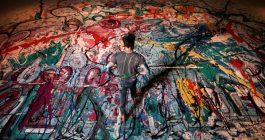Најголемата слика на светот продадена преку аукција за 62 милиони долари