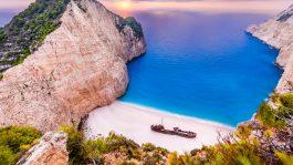 Колку чини летен одмор на најевтините грчки острови за ова лето?