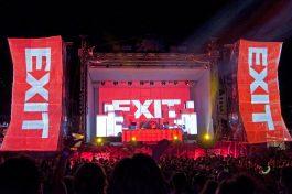 """Новосадскиот фестивал """"EXIT"""" започна да го """"слави животот"""" со желба за слобода и многу љубов"""