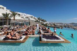 На грчкиот остров за богатите е забранета музика во рестораните и баровите