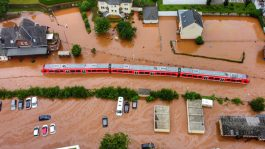 Повеќе од 60 лица загинаа во поплавите во Германија и Белгија