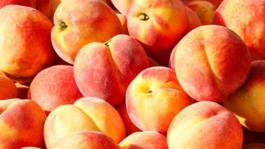 Омиленото сезонско овошје најскапо се продава во овој град